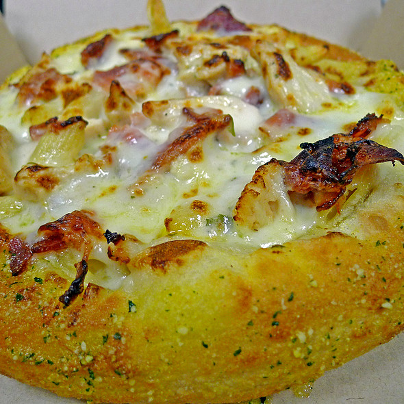Chicken Carbonara Bread Bowl Pasta @ Domino's Pizza