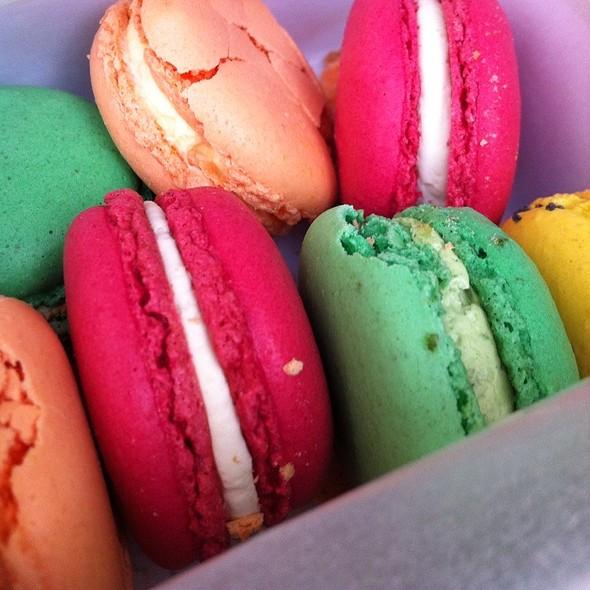 Macarons @ Maison Pradier Patissier