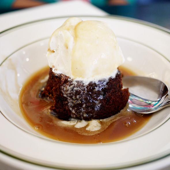 Sticky Toffee Cake @ Raymond's