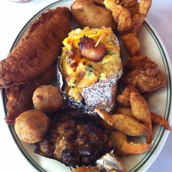 Seafood Platter - Poor Boy's Riverside Inn, Broussard, LA