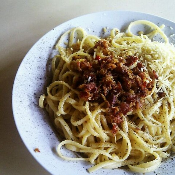 Aglio Olio Pasta With Bacon @ sembawang hill food centre