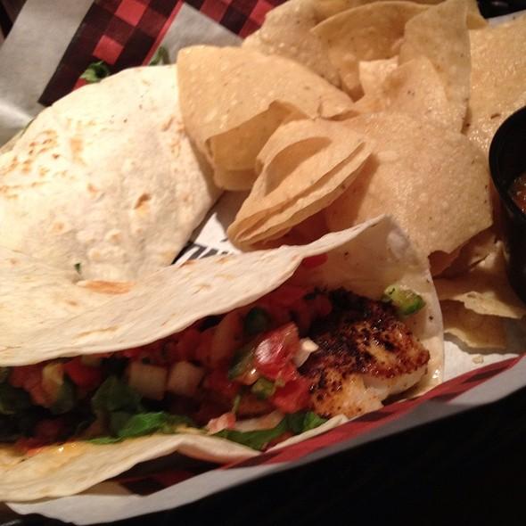 Blackened Fish Tacos @ Twin Peaks De Zavala
