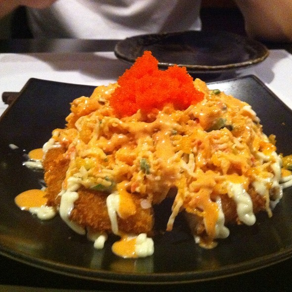 Spicy Crab Sushi Pizza @ AKKI Grill & Bar