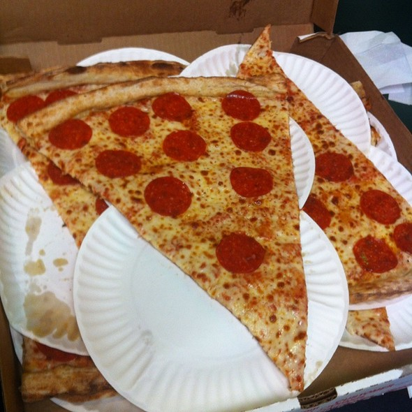 Pepperoni Pizza @ Jumbo Slice