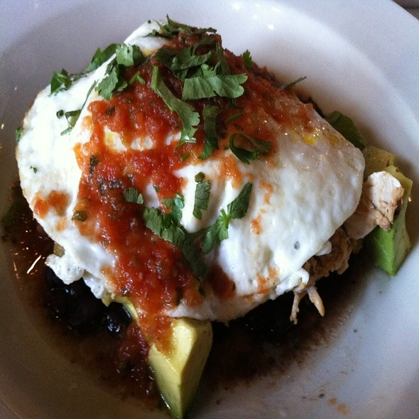 Huevos a la Montulena - The Heights, Washington, DC