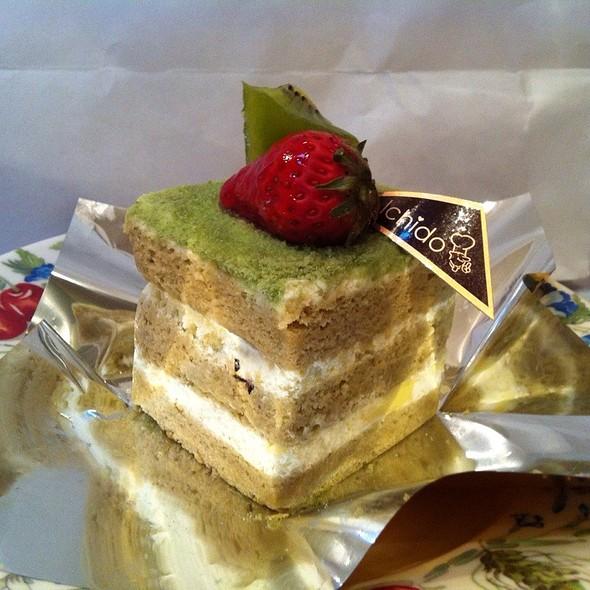 Moccha & Green Tea Creammy Sponge Cake