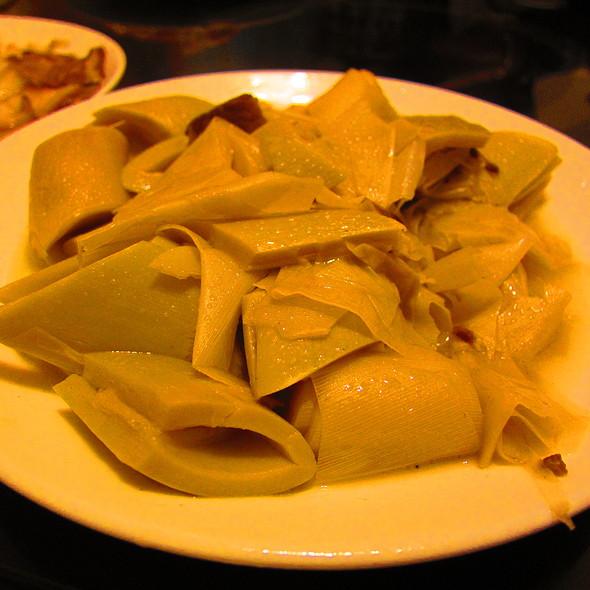 Braised Pork & Bamboo @ 張吳記什錦麵