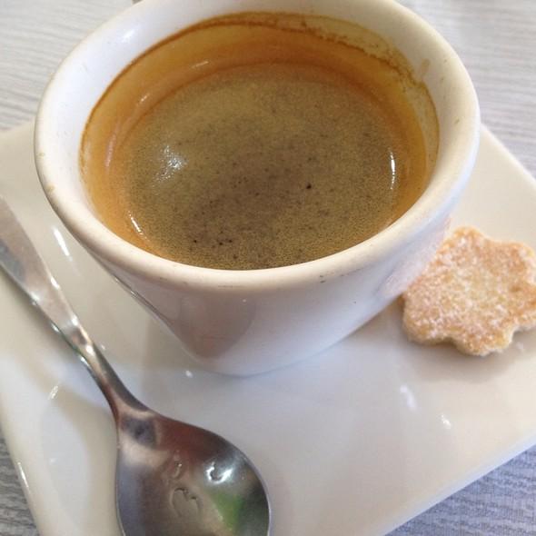 Espresso @ Livraria e Café Sebinho