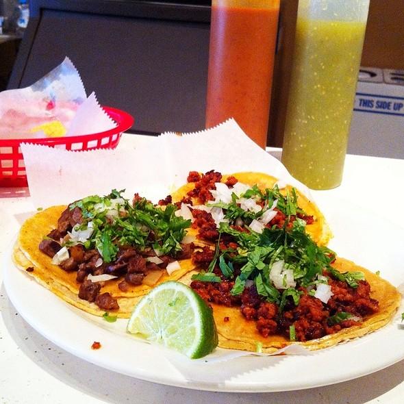 Tacos @ Los Toritos