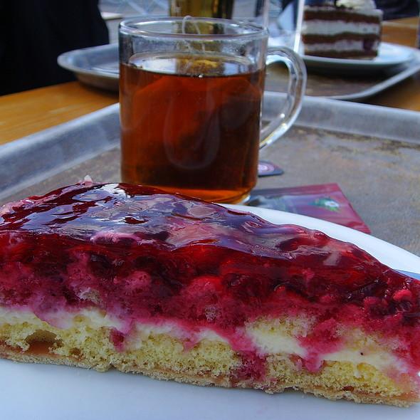 mixed berry pie @ Kapellrestaurant