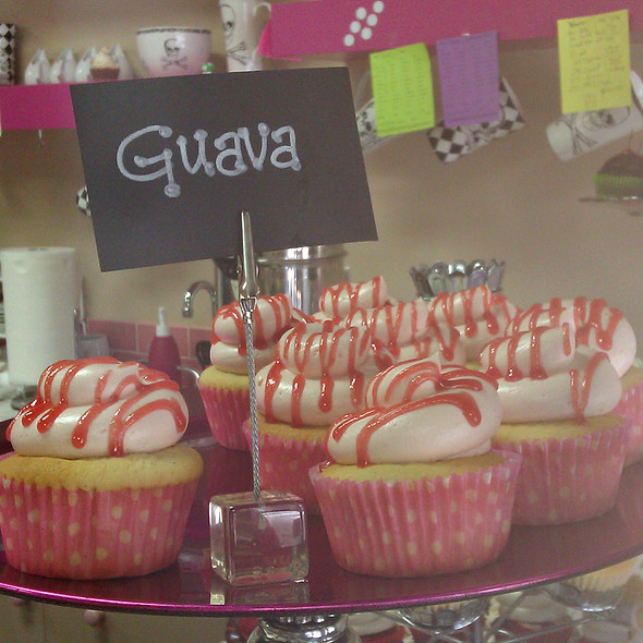 Guava Cupcake @ Let Them Eat Cupcakes