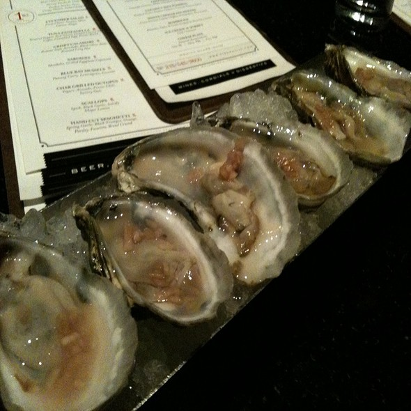 Happy Hour Oysters @ Fish