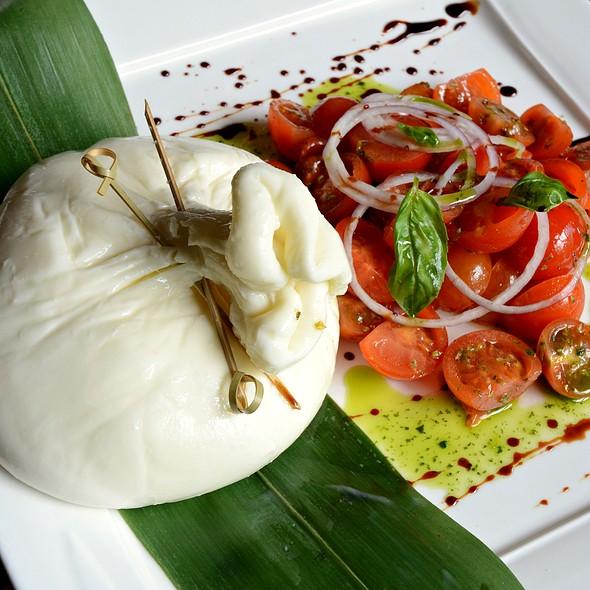 Burrata @ DiVino Wine Bar & Restaurant