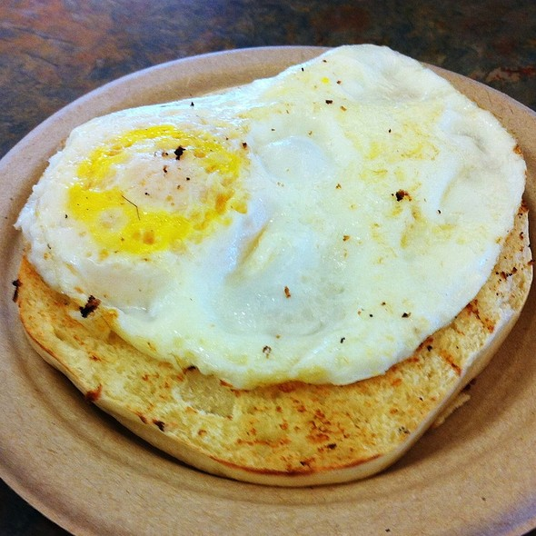 English Muffin & Egg @ Snowshed Lodge