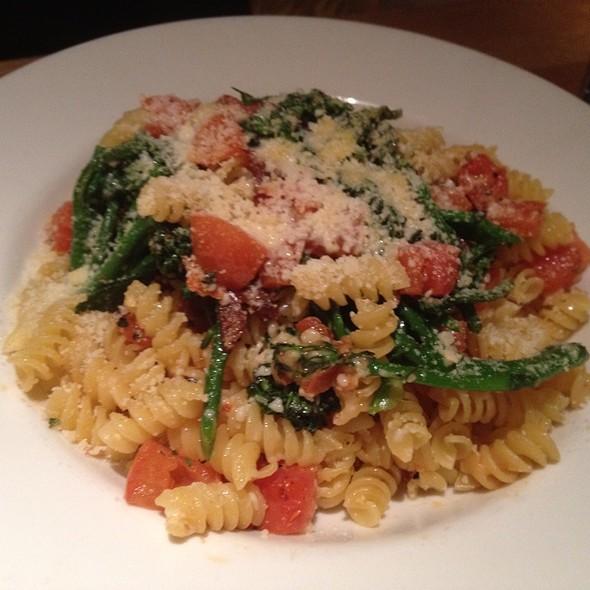 Broccolini And Sundried Tomato Fussili @ California Pizza Kitchen