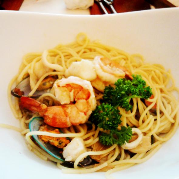 Seafood Pasta - Madison's Grill - Union Bank Inn, Edmonton, AB