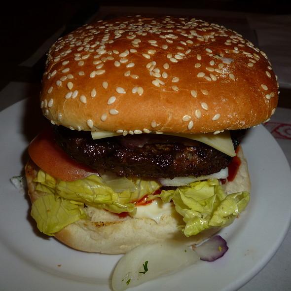 Angus Bacon Cheeseburger @ Miss Jean Talon