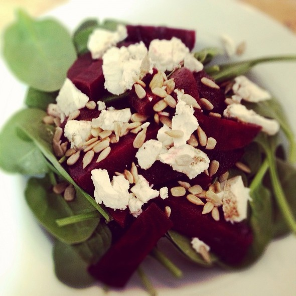 Beet, Spinach & Goat Cheese Salad @ Home