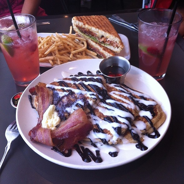 Blueberry Ricotta Pancakes @ Ripe Eatery & Market