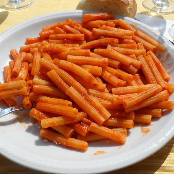 Pasta con pomodoro @ Ristorante Le Dune Srl