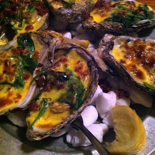 Oysters Rockefeller @ The Irish Lion Restaurant and Pub