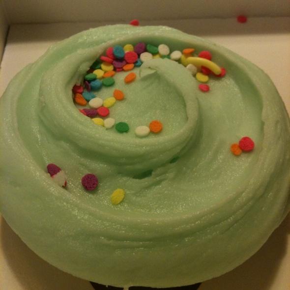 Cupcakes @ Magnolia Bakery