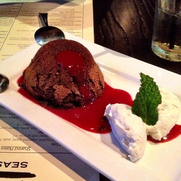 Bittersweet Molten Callebaut Chocolate Cake  @ Wild Rocket