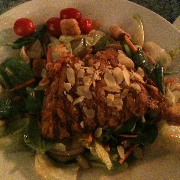Honey Almond Salmon Salad @ Harry's Seafood Bar & Grille