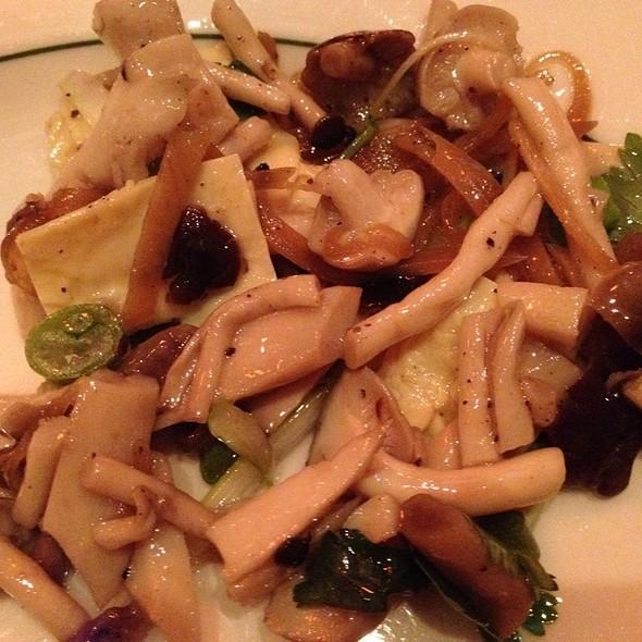 Chopped Yuba & Mixed Mushrooms @ Wo Hing