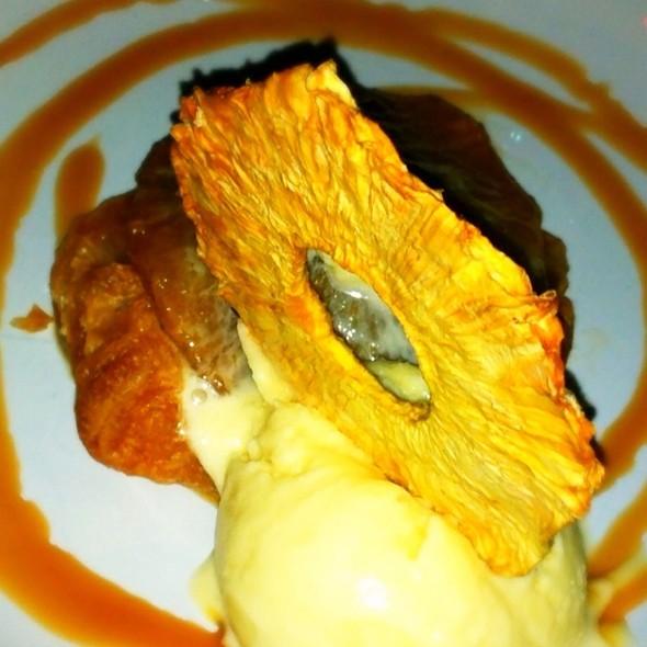 Pineapple Tarte Tartin @ Elizabeth Street Cafe