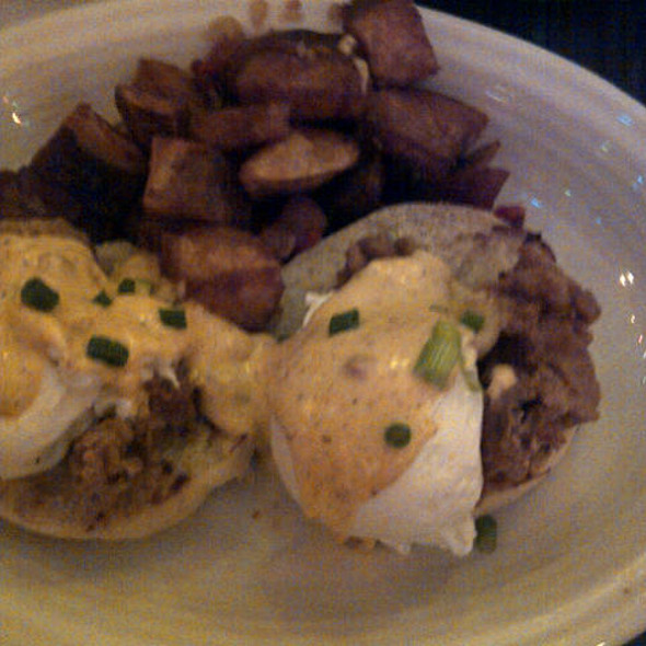 Eggs Pontchartrain @ Datz