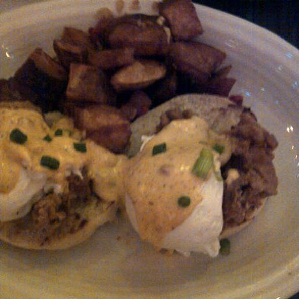 Eggs Pontchartrain @ Datz