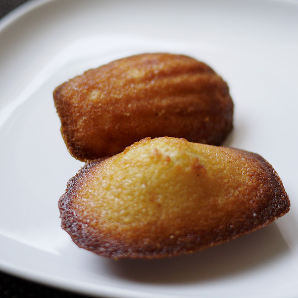Madeleine /  Financier @ La Churreria