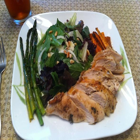 Salad Of Roast Chicken & Spring Vegetables With Lemony Dressing @ Ye Olde Homestead