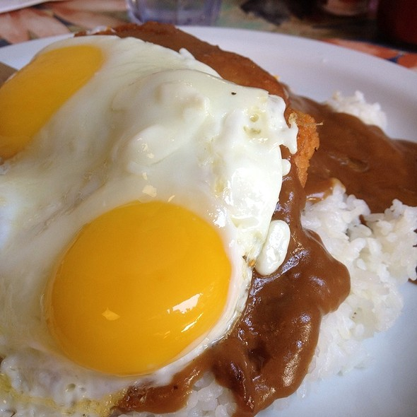 Chicken Cutlet Loco Moco @ Cinnamon's