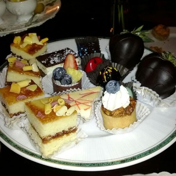 Desserts - Le Salon at the Windsor Court Hotel, New Orleans, LA