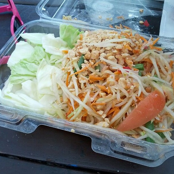 Green Papaya Salad @ Buddhanusorn Thai Temple
