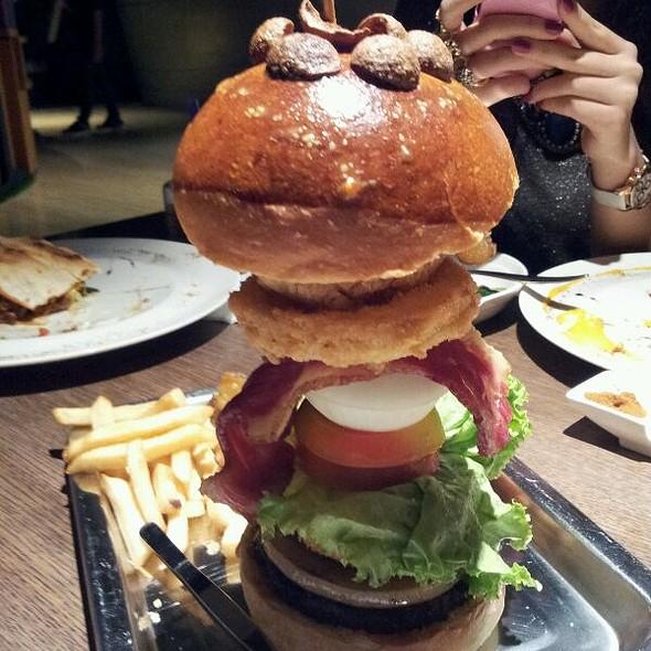 Burger @ The PlayGround