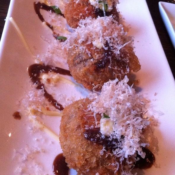 Stuffed Mushroom @ Aka Sushi House