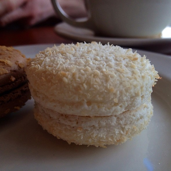 Coconut Passion Fruit Macaron @ Patisserie 46