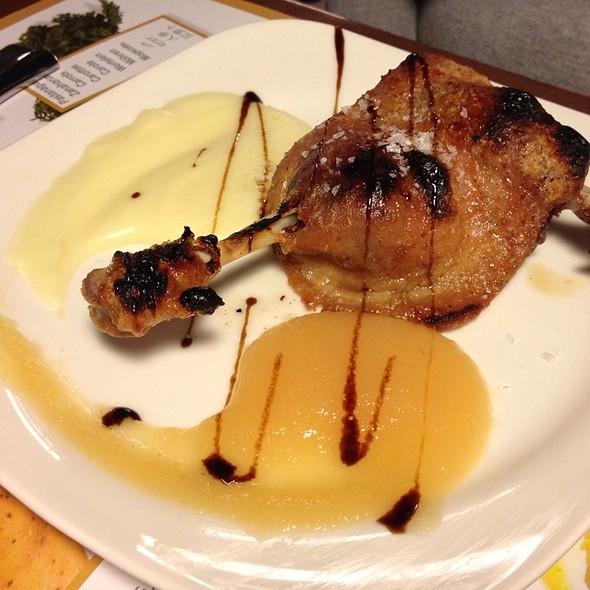Duck Confit With Mashed Pear And Patatoe @ La Llavor dels Orígens (Eixample)