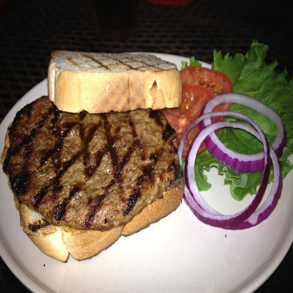 Hamburger @ Gourmet Burger Grill