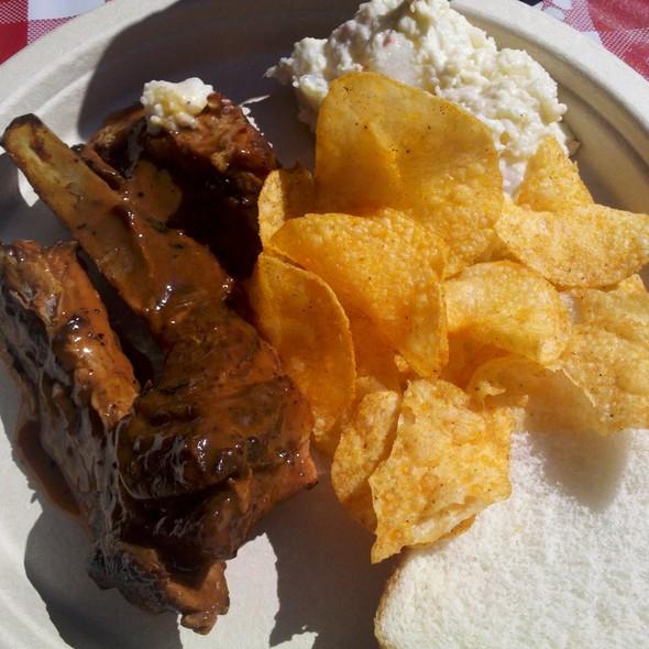 Hickory Smoked BBQ Pork Ribs @ Dreamland Bar-B-Que