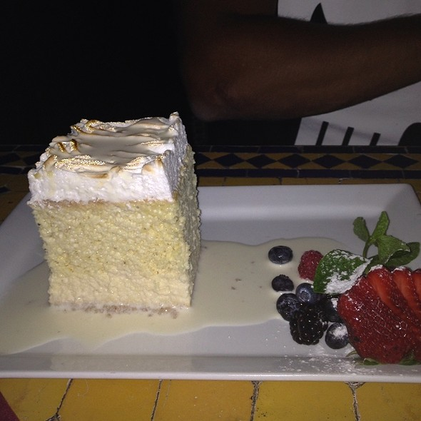Tres Leche Cake @ Ceviche