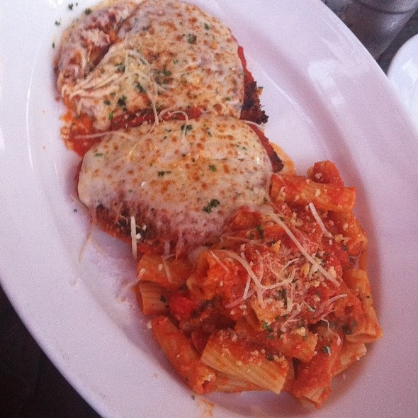 Chicken Parmesan @ Table 42