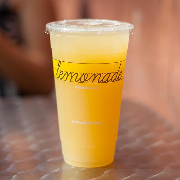 Peach Ginger Lemonade @ Lemonade at MOCA