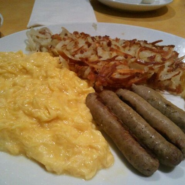 Egg Platter w/hash Browns And Turkey Sausage @ Eggsperience Cafe