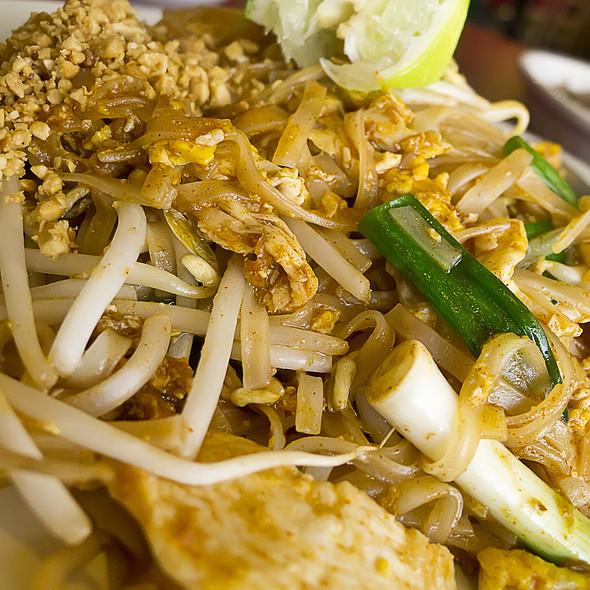 Pad Thai @ Vieng Thai 2000