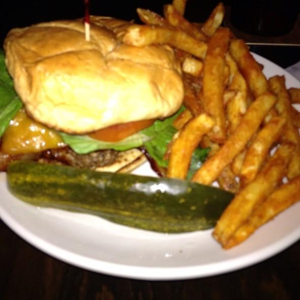 Patrick Burger W/Fries