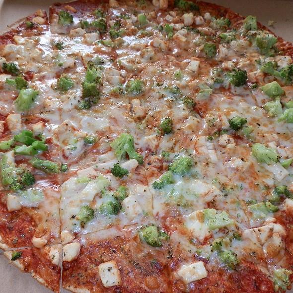 Chicken And Broccoli Pizza @ Imo's Pizza